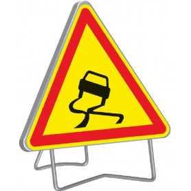 Panneau de signalisation temporaire chaussée glissante AK4